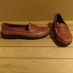 New without tag Eastland penny loafers